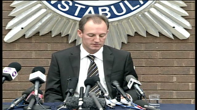 detective chief superintendent stewart gull press conference in the last 24 hours since 8am on thursday we have received more than 1800 further calls... - hair length stock videos and b-roll footage