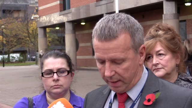 detective sergeant ted butcher reads a statement on behalf of victoria hoban about the attack which nearly killed her daughter esther garrity - investigatore video stock e b–roll