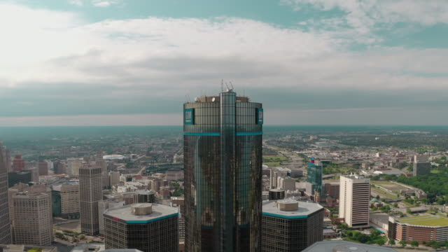 detroit renaissance towers - aerial stock videos & royalty-free footage