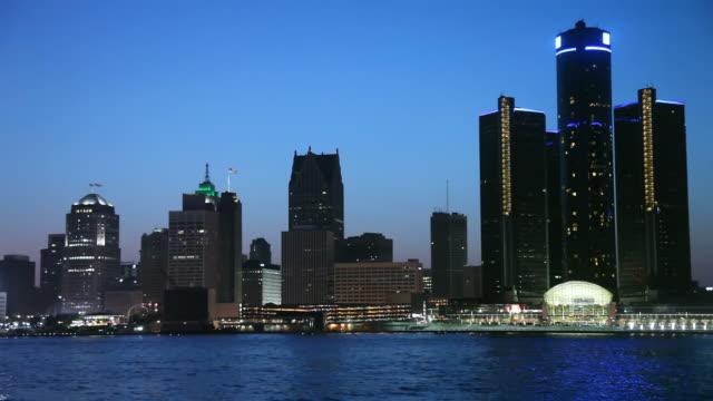 detroit - detroit river stock-videos und b-roll-filmmaterial