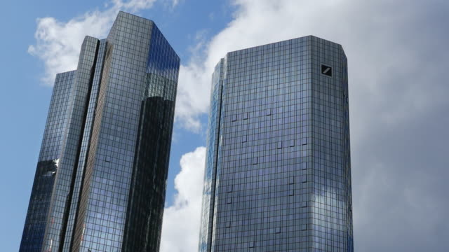T/L MS  Deutsche Bank Building in Frankfurt (4K/UHD to HD)