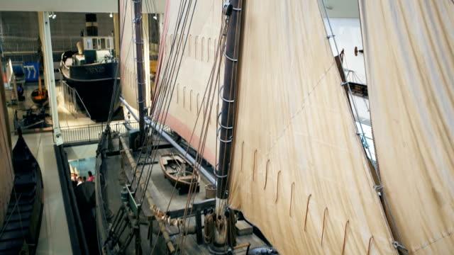 Deutsches Museum München, Drohnenaufnahme innen, Schiffahrt 1