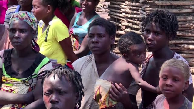 devastated mother of a three year old boy recalls how he was ripped from her hands by rising flood water during cyclone idai that hit eastern... - mozambique stock videos & royalty-free footage