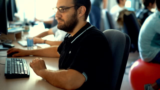 developers at work. - postura video stock e b–roll