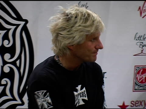 deville at the virgin girls rock fashion show at virgin records in hollywood, california on may 4, 2006. - ヴァージンレコード点の映像素材/bロール