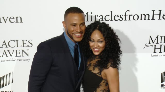 vidéos et rushes de devon franklin and meagan good at miracles from heaven los angeles premiere at arclight cinemas on march 09 2016 in hollywood california - arclight cinemas hollywood