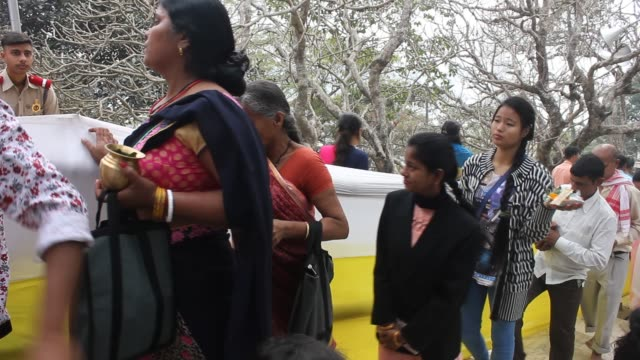 Devotees throng to Umananda Devaloi in the occasion of Shiva Puja