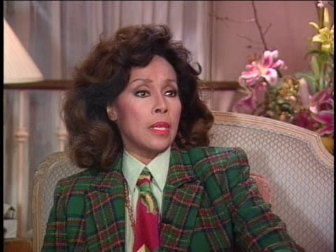 diahann carroll talks about how she has been the first black woman to do multiple things on television and knows why it happens to her rather than to... - 電視節目 個影片檔及 b 捲影像