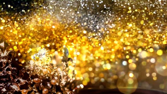stockvideo's en b-roll-footage met diamond crown - optocht contest achtergrond - parel juwelen