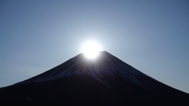 diamond fuji (4k real time) - mt fuji stock videos & royalty-free footage
