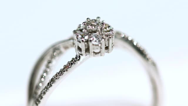 vídeos y material grabado en eventos de stock de anillo de diamante - diamante