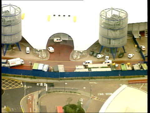 diamond robbery attempt; lib england: london: greenwich: ext air views police vehicles along at the millennium dome after attempted diamond robbery... - the o2 england stock videos & royalty-free footage