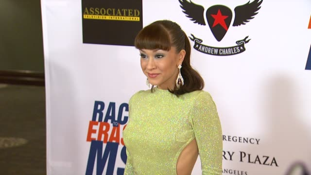 diana degarmo at 19th annual race to erase glam rock to erase on 5/18/12 in los angeles, ca. - レーストゥイレースms点の映像素材/bロール