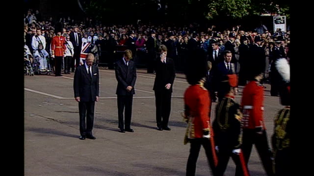 10th anniversary of death memorial service lib st james's palace ext prince philip william earl spencer harry and prince charles walking in silence... - herzog von edinburgh stock-videos und b-roll-filmmaterial