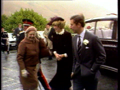 diana, princess of wales collection; 112469 tx 29.10.81 wales: brecon: prince charles and princess diana visit to wales; arrival as welsh choir... - pregnant stock videos & royalty-free footage