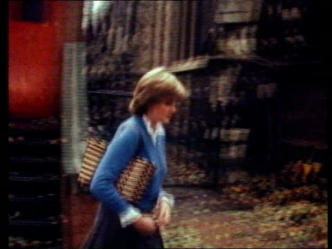 stockvideo's en b-roll-footage met part 5 106956 marriage speculation england london miss diana spencer walking in street from her flat - prinses