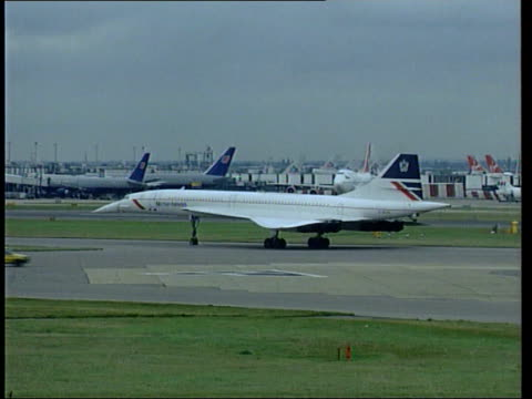 arrested at heathrow airport england london heathrow airport concorde taxiing - commercial aircraft stock videos & royalty-free footage