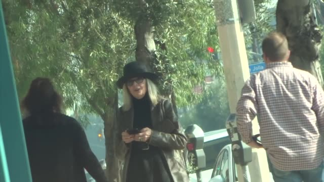 diane keaton checks her phone while shopping in west hollywood at celebrity sightings in los angeles on december 13, 2019 in los angeles, california. - celebrity sightings stock videos & royalty-free footage