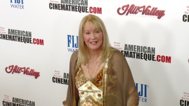 vídeos y material grabado en eventos de stock de diane ladd at the 29th annual american cinematheque award presented to reese witherspoon at the hyatt regency century plaza on october 30 2015 in los... - premio american cinematheque