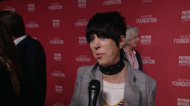 vídeos y material grabado en eventos de stock de interview diane warren on the event at the sagaftra foundation's 4th annual patron of the artists awards in beverly hills ca - diane warren