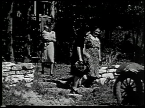 diary of a mountain girl, 1927-1939 - 8 of 18 - altri spezzoni di questa ripresa 2136 video stock e b–roll