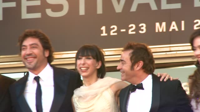 diaryatou daff director alejandro gonzalez inarritu javier bardem maricel alvarez eduard fernadez and martina garcia at the biutiful red carpet... - javier bardem stock videos and b-roll footage