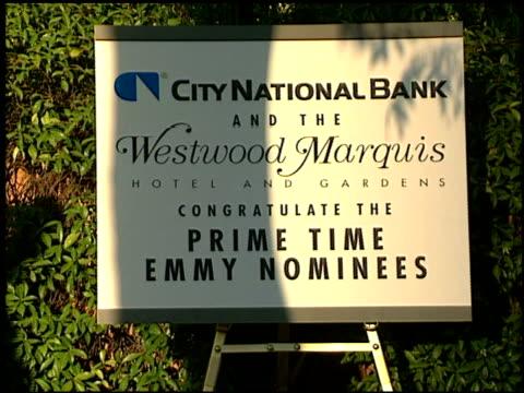 vídeos y material grabado en eventos de stock de dick clark at the 1996 emmy nomination party at the marque hotel in westwood california on september 4 1996 - westwood