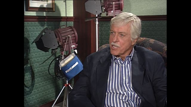 dick van dyke explains the influences and reasons behind bert's bad cockney accent in mary poppins - humility stock videos and b-roll footage