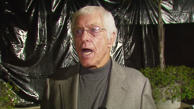 vídeos y material grabado en eventos de stock de dick van dyke on the first broadway show he attended the hollywood/broadway connection his own b'way performance and tonite's event at the 'a fine... - península de gower