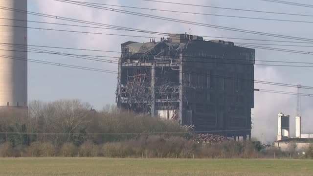 Hopes fade for missing people ENGLAND Oxfordshire Didcot EXT Partially collapsed boiler house of Didcot power station one worker was killed when it...