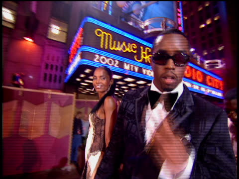 diddy and kim porter are attending the 2002 mtv video music awards. - 2002 stock videos & royalty-free footage