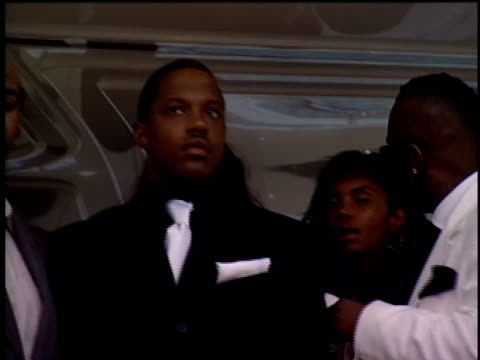 stockvideo's en b-roll-footage met diddy and mase waiting for the sign to exit the yacht and walk onto the red carpet. - 2004