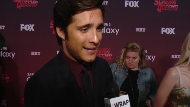 stockvideo's en b-roll-footage met interview diego boneta on being one of theh few men in the cast on the characters he'd like to see die and saved and on who he would like to get to... - wilshire ebell theatre
