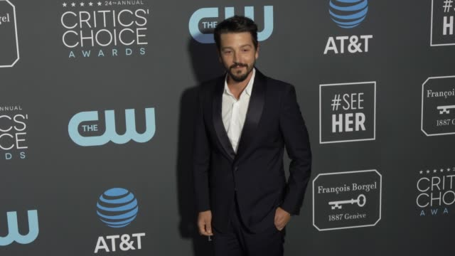 Diego Luna at the 24th Annual Critics' Choice Awards at Barker Hangar on January 13 2019 in Santa Monica California
