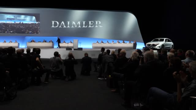 dieter zetsche, chairman of daimler ag, leaves the lectern after his speech at the annual daimler ag shareholders meeting on may 22, 2019 in berlin,... - annual general meeting stock videos & royalty-free footage