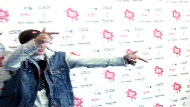 digital music awards: celebrity photocalls and interviews; england: london: camden: chalk farm: int members of music band 'captain' posing for... - notfallplan konzepte stock-videos und b-roll-filmmaterial