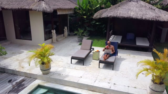 Digital Nomad at work in Villa