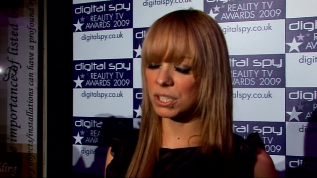 vídeos de stock e filmes b-roll de digital spy reality tv awards liz mcclarnon interview sot big reality tv fan jade novel coming out next year airbrushing - jade gema