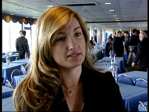 chairmen meet itn maine road karren brady interview sot up to granada carlton to come resolve this with us / the door is open to them to come up with... - カレン ブラディ点の映像素材/bロール