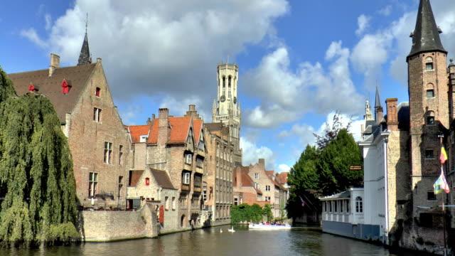 dijver canal - bruges, belgium - markt stock videos & royalty-free footage
