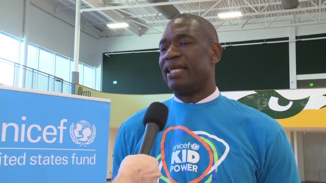 interview dikembe mutombo national board member us fund for unicef on why he is participating at this event on how the program involves kids in the... - ausgemergelt stock-videos und b-roll-filmmaterial