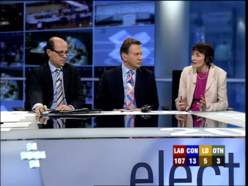 vídeos de stock e filmes b-roll de dimbleby interview with estelle morris sot - can't say if liberal democrats will win / not as solid labour seat as you make out / had no labour... - david dimbleby