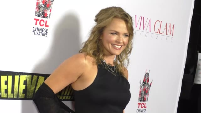 vidéos et rushes de dina meyer at the unbelievable premiere at tcl chinese theatre in hollywood in celebrity sightings in los angeles - dina meyer