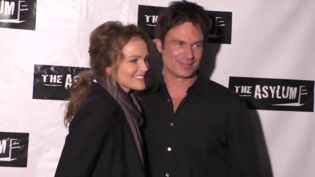 vidéos et rushes de dina meyer patrick muldoon at the little dead rotting hood premiere at laemmle noho 7 in north hollywood celebrity sightings on january 18 2016 in... - dina meyer