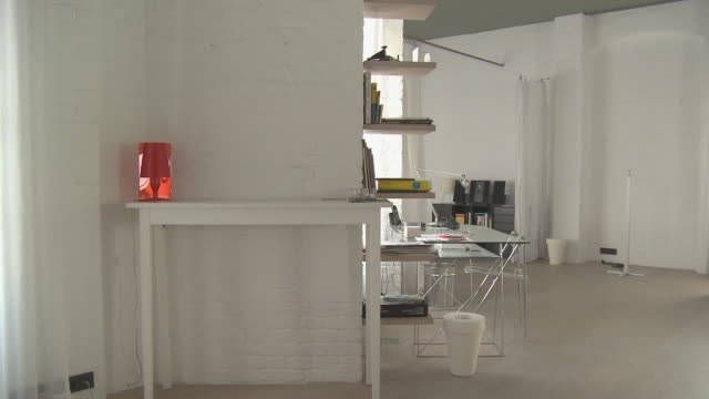 MS PAN Dining table in loft decorated in white/ Berlin, Germany