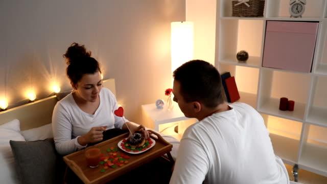vídeos y material grabado en eventos de stock de cena para usted, bebé - cariñoso