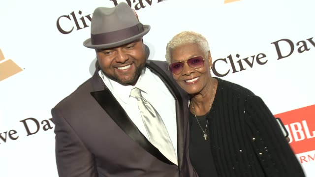 stockvideo's en b-roll-footage met dionne warwick at the 2016 pregrammy gala and salute to industry icons honoring irving azoff at the beverly hilton hotel on february 14 2016 in... - irving azoff