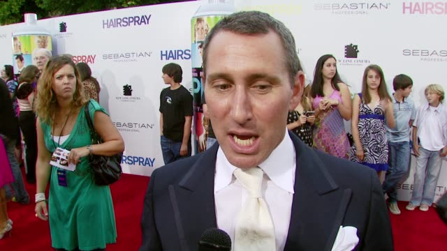 director and choreographer adam shankman on john waters giving him free rein to do the film the way he wanted, and on the amazing cast at the... - 馬勒点の映像素材/bロール
