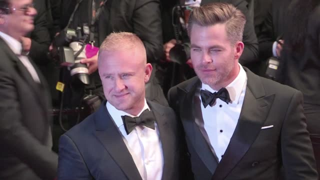 director david mackenzie chris pine ben foster and more on the red carpet for the premiere of hell or high water at the cannes film festival 2016... - ben foster actor stock videos and b-roll footage