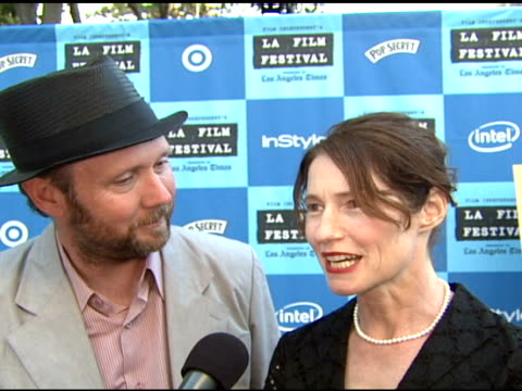 director jonathan dayton and director valerie faris on being at the premiere on worrying about getting the film made on being at the los angeles film... - wadsworth theatre stock videos & royalty-free footage